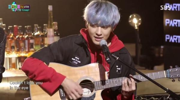 低音磁性聲線!EXO燦烈自彈自唱英文歌〈Creep〉