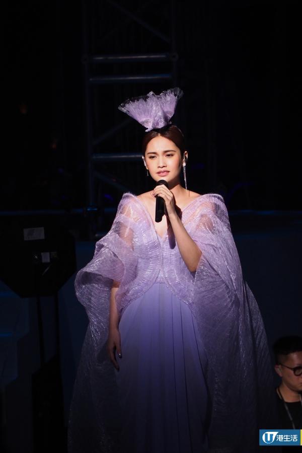 楊丞琳Rainie青春住了誰巡唱香港紅館場