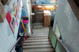 餐廳兩層,在今日要找到一家兩層冰室,真不容易。