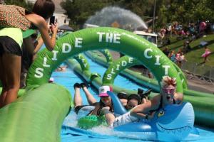 圖: Slide the City