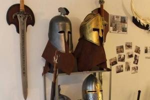 任試唔嬲的頭盔(圖:FB@中世紀武器咖啡屋)