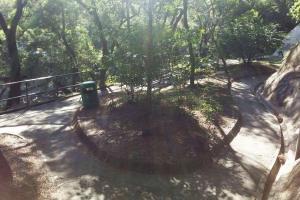 沿九龍仔公園游泳池右邊小路一直走約15分鐘。