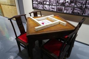 舊式酒樓麻雀桌子