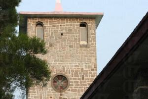 神樂院是香港僅有的中世紀模式天主教修道院,相當特別。