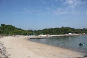 海灘不是很長,很快就走完。(陸嘉鈴攝)