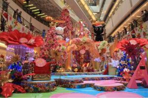 apm 今次以「花花王國」為主題,充滿喜慶感覺,個人認為擺到新年都得呀。(陸嘉鈴攝)