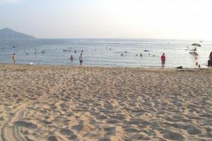 洪聖爺海灘是看日落的好地方。