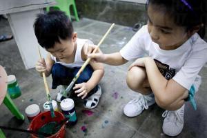 小朋友也愛和色彩玩遊戲。