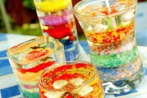 水晶香薰蠟燭可自選彩沙和裝飾物。