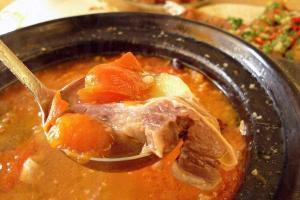 番茄胡椒牛腩煲,選用清湯腩,夠軟腍,湯底香濃鮮味,$ 68。