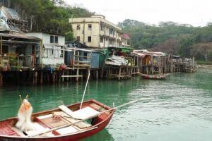 海邊的魚排和棚屋。他們與居民而同生,亦隨居民遷出而共亡。