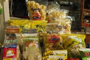 店內的一小角亦有東南亞小食發售。
