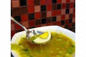 娘惹海鮮湯感覺有點像叻沙湯底。