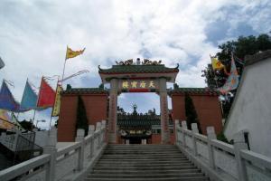 天后廟與天后寶樓在不久前才修葺過,因此看不出來已有百年歷史。