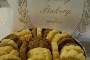 Jenny Bakery在短短幾年間己擴充至 5 間分店,由人手製造的曲奇打響名堂。