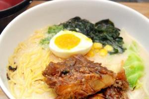 豬骨湯底配上店主自製的滷水汁日式叉燒好味極了。