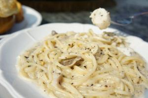 黑松露帶子蘑菇意粉,味道偏淡。