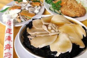 蓬瀛仙館的齋菜水準不錯,很多新派齋菜都有供應。