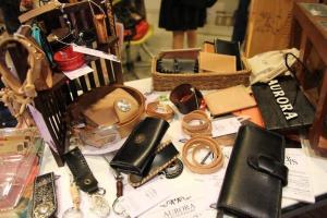 手製皮革用品,外型與實用兼備。