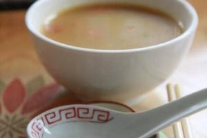 未上菜前寺方先端來一碗南瓜雜菜湯,味道清甜,為新一年劃下好的開始。