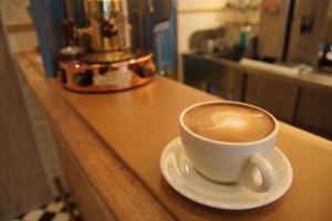 坐在店中的吧檯喝杯 latte,令人不禁幻想自己就是西部牛仔。