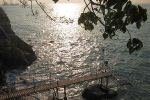 泳棚的鼎鼎大名,早在龍友及 C-hing 之間廣傳,在攝影討論區亦不難找到泳棚日落的靚相。