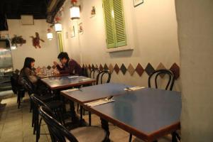 店如其名,座位不多,但簡單的裝修讓人坐得舒服。