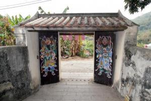 村內的門樓亦被列為三級歷史建築。