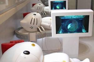 一隻隻待維修的 Robot K,等你用力狂「chok」為它動手術。