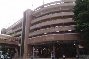 黃大仙中心停車場外表平平無奇,殊不知內有乾坤。