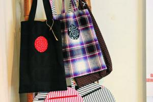 視窗布 tote bag BY Cotton Car $550