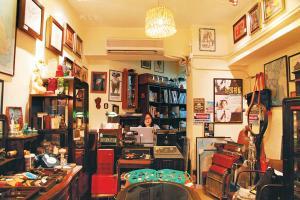nlostnfound以懷舊為主題,店內有不少特色古董。