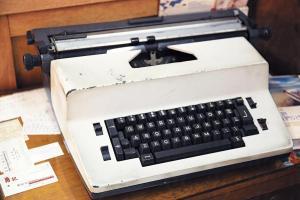 喜臨門現在還在用打字機替客人打文件。