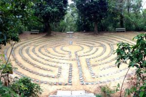 「明陣」迷宫乃靜修場地,讓靈修者禱告默想。