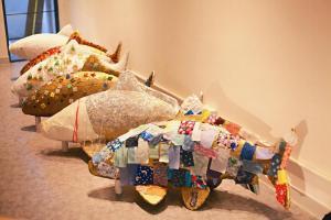 五條魚是早前工作坊的作品,分別將香港五條街道特色裝飾上身。(花墟道、 花布街、金魚街、雀仔街、海味街)