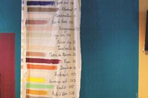 現時的 La Peinture 系列 共有 30 種顏色選擇, 當中還有 9 種較鮮艷的選擇, 可以慢慢襯色。