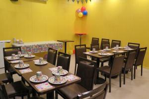 遊樂場設有party room 3 間,每間可容納 20 餘人。