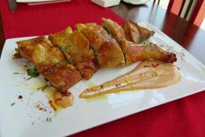 經典的西班牙烤乳豬。