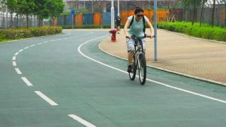 單車徑寬闊平坦
