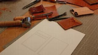 由皮料到木鎚、磨皮器等等工具,學員不用額外再付錢購買。
