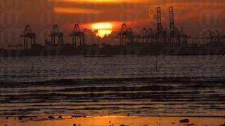 目送太陽隨隨消失與水平線,我們來跟太陽說聲:明天見!