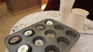 試食會中有不同產地的朱古原粒,都編上編號,讓大家分辨味道。