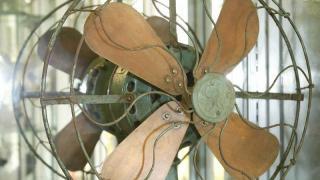 二、三十年代時,年一把風扇價值高達四十両黃金,相當現在的 9 萬元!