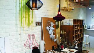 Abode 專賣世界各地搜購回來的精品和自創品牌飾物