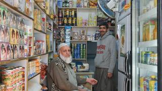 大部分巴基斯坦雜貨店店員懂廣東話,方便溝通。