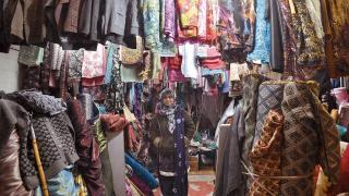 Ayan Fashion House 店主 Saliha Malik 首次創業,售賣南亞款式布料。