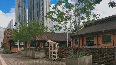 牛棚藝術村由一座座紅磚屋組成。