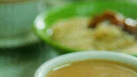 喝一杯奶茶,彷彿是到舊式茶記的指定動作。