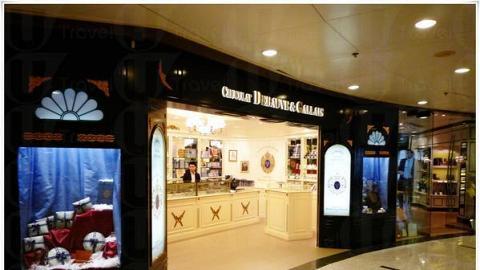 富麗堂皇的店面。