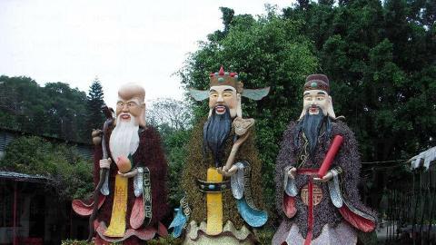 福祿壽三寶在雲泉仙館歡迎大家。